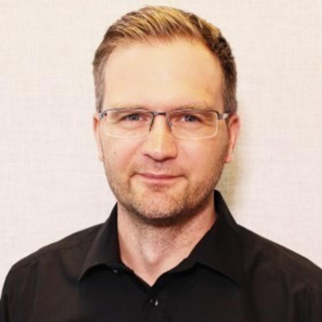 Henrik Düster